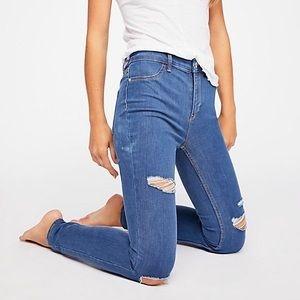 Free People Destroyed High Rise Jegging Jeans